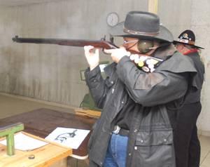 Schuß mit Vorderlader Gewehr